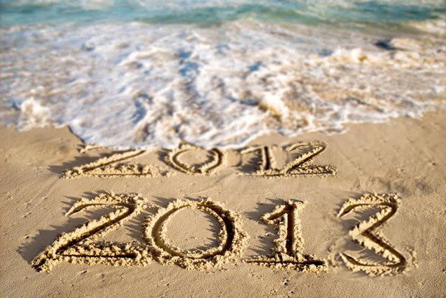 Happynewyear2013_info_written-on-sea-sand